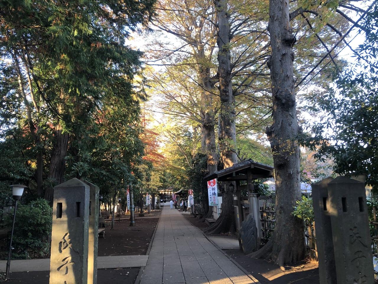 神明宮参道